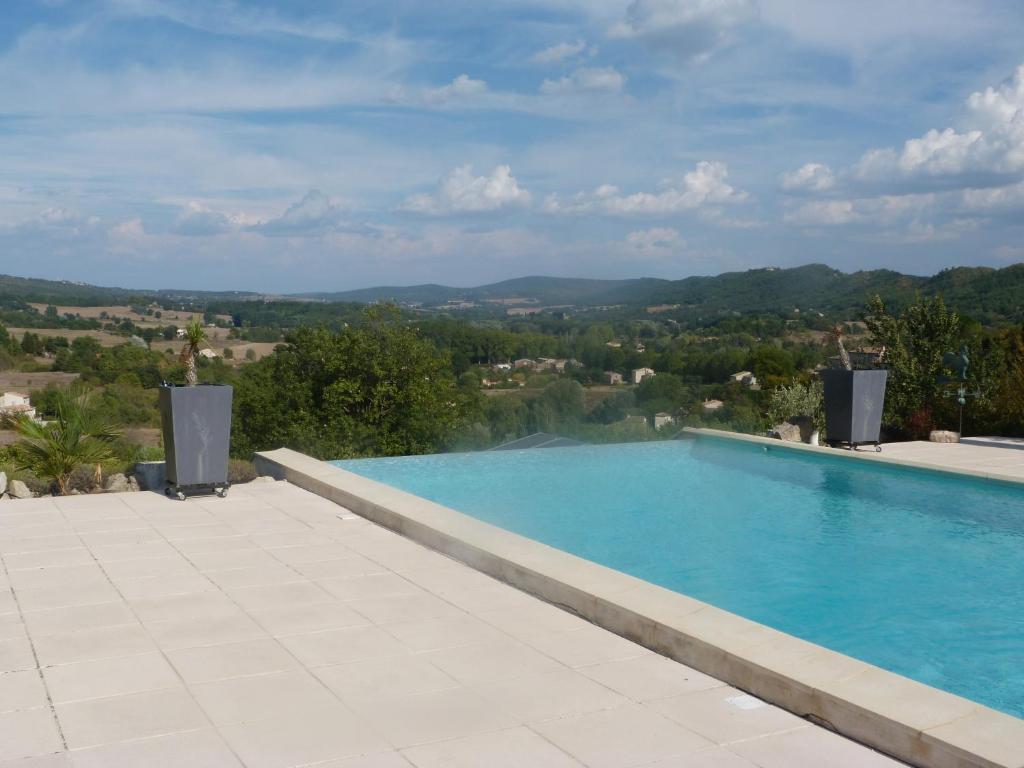 Villa maison sur la falaise france c reste for Piscine falaise