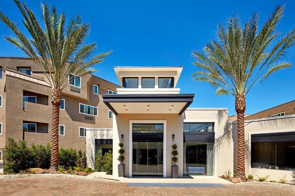 gallery image of this property - Hilton Garden Inn San Diego