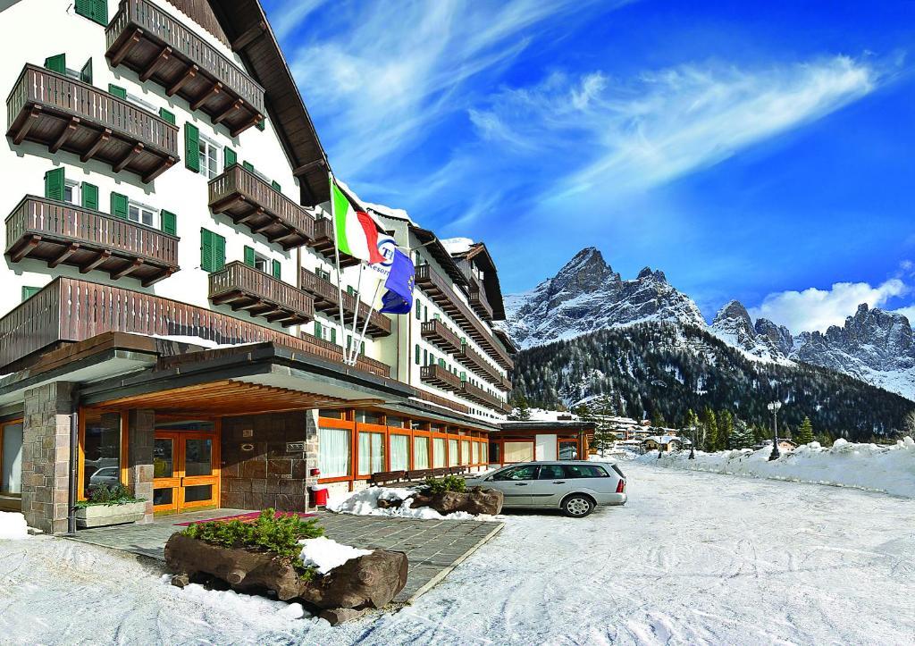 Hotel Majestic Dolomiti (Italia San Martino di Castrozza) - Booking.com