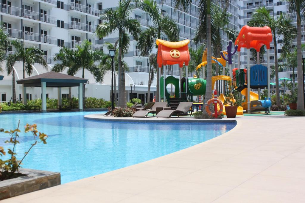 Top 10 Hotels with a Pool in Manila, Philippines   Hotels.com