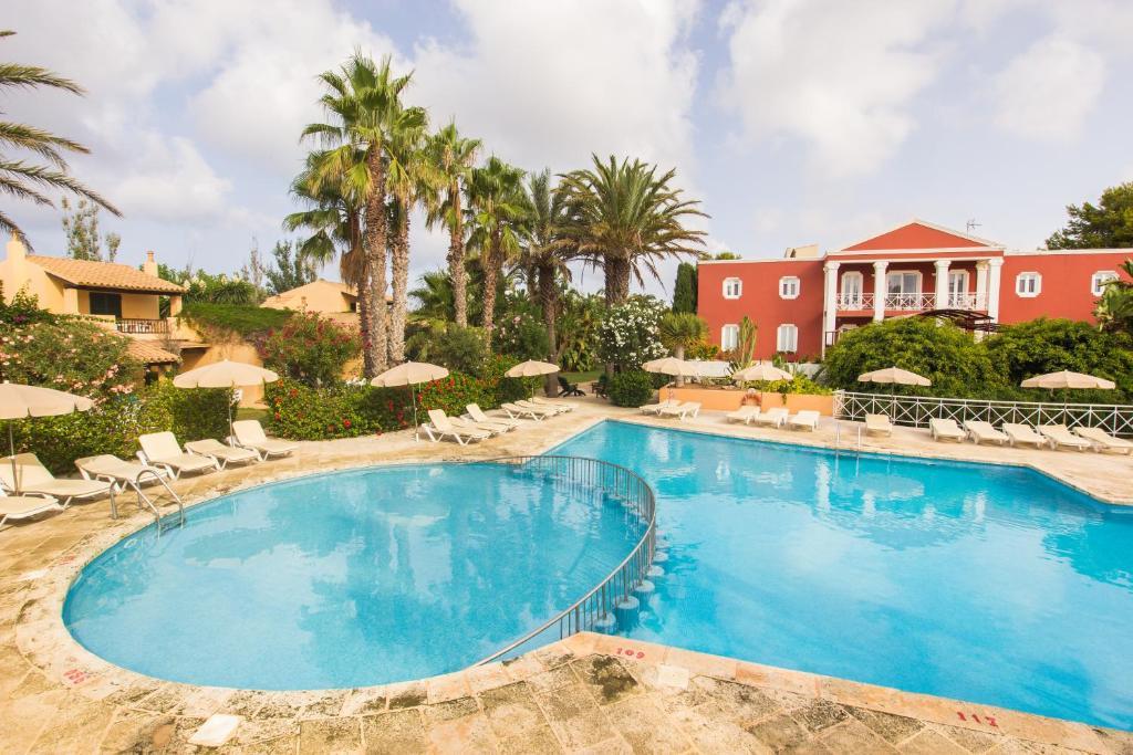 Apartamento club pueblo menorquin espa a son xoriguer - Apartamentos pueblo menorquin ...