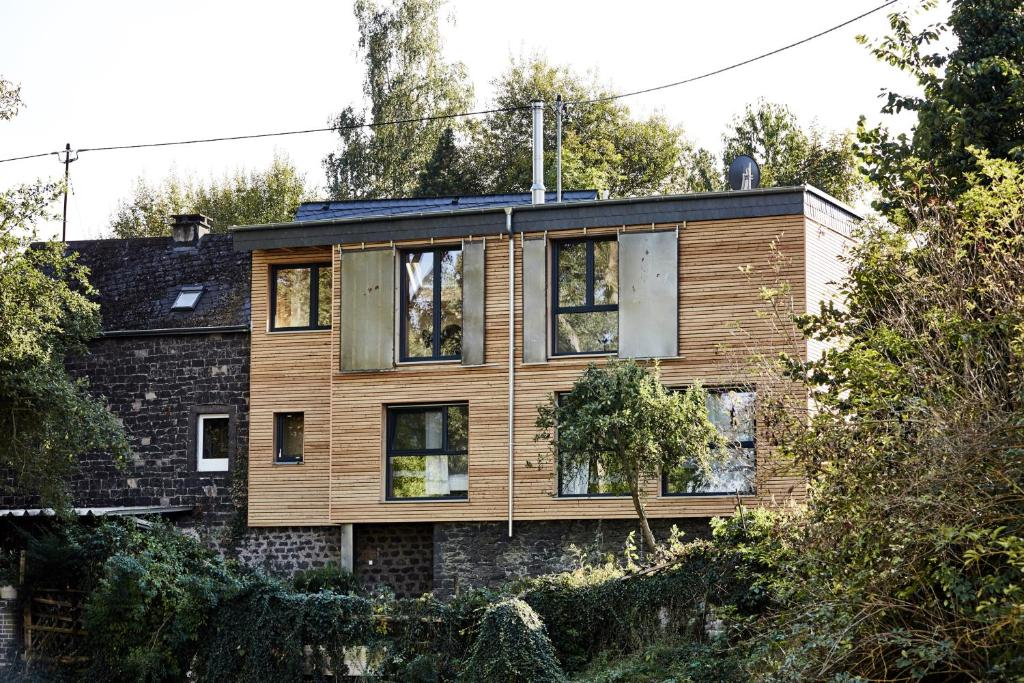 ferienhaus basalt loft deutschland kottenheim. Black Bedroom Furniture Sets. Home Design Ideas