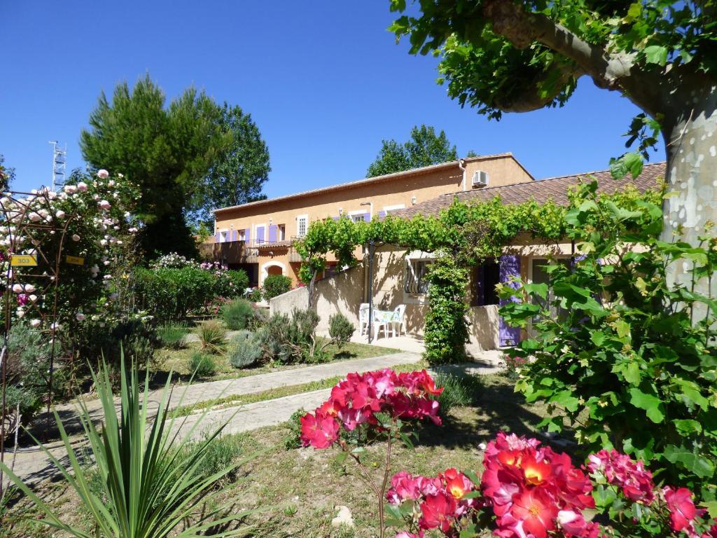 Apartments In Rochefort-du-gard Languedoc-roussillon