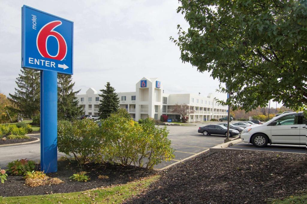 Motel 6 Willoughby Oh Booking Com