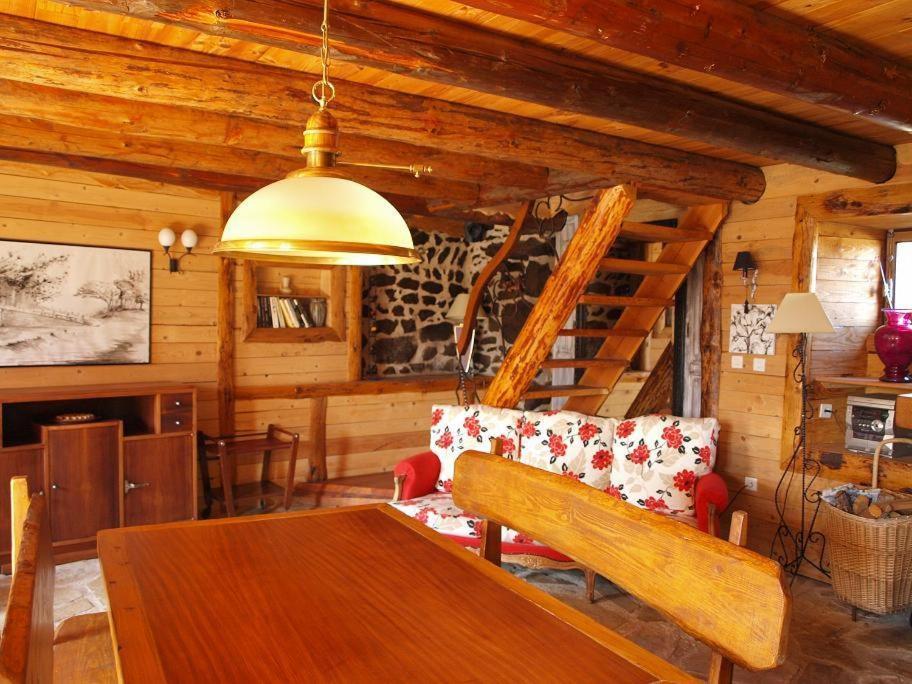 b b chambres d 39 h tes notre bergerie france la chaise dieu. Black Bedroom Furniture Sets. Home Design Ideas