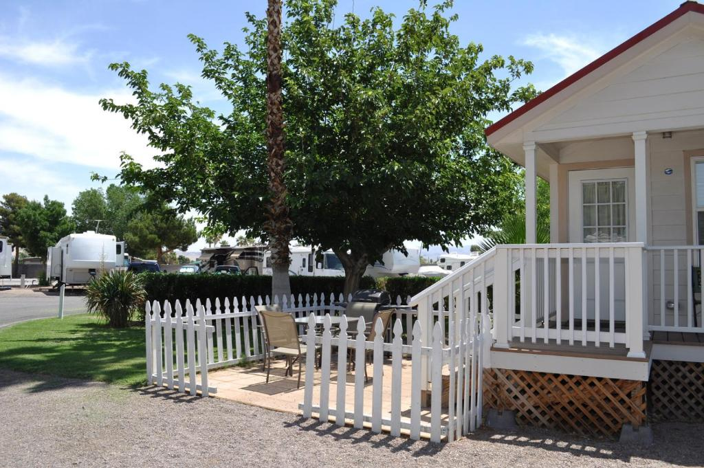 A porch or other outdoor area at Las Vegas Camping Resort Cabin 2