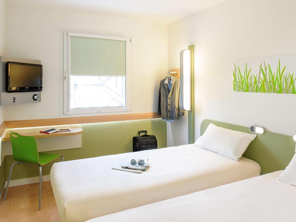 simple maison du monde caen mondeville with maison du monde caen mondeville. Black Bedroom Furniture Sets. Home Design Ideas
