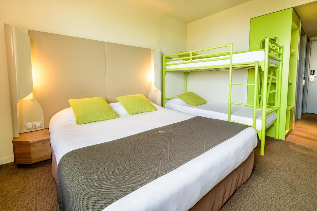 h tel campanile toulouse balma france toulouse. Black Bedroom Furniture Sets. Home Design Ideas