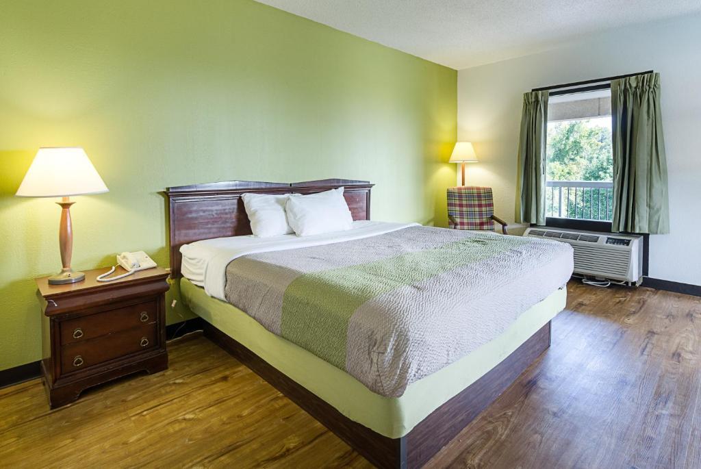 Motel 6 Roanoke VA