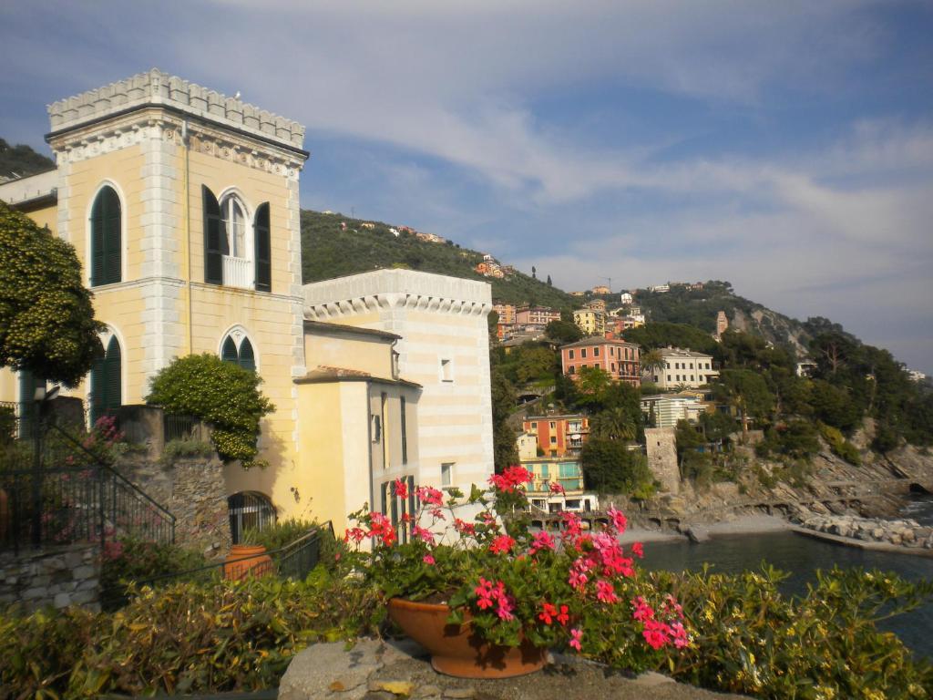 Condo hotel castello canevaro zoagli italy for Reservation hotel italie