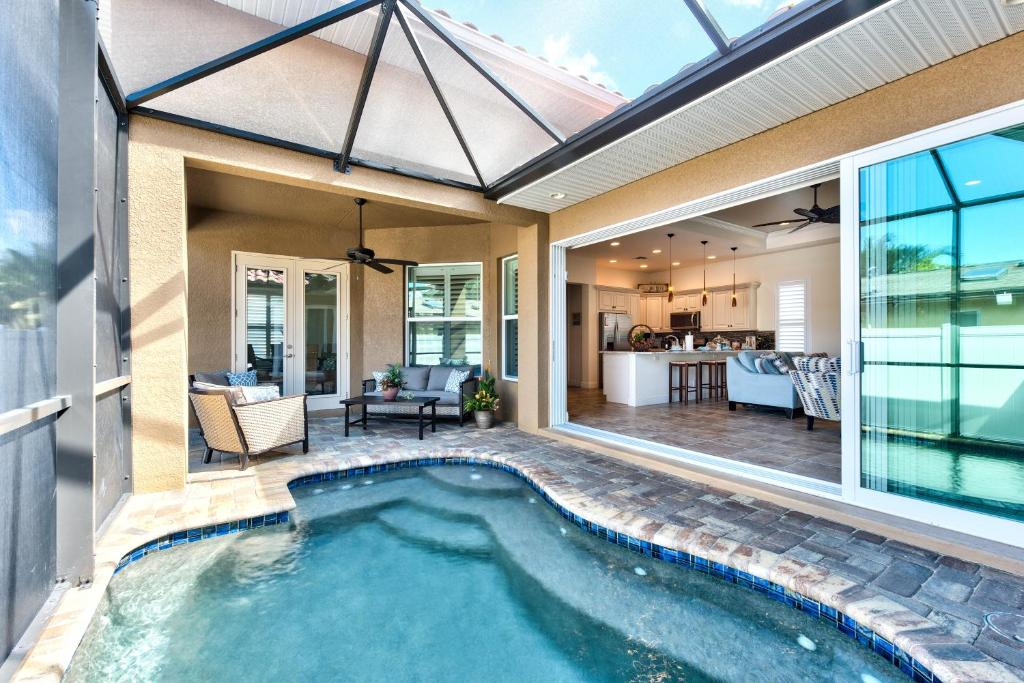 Vacation home amalfi vacation rental naples fl - Florida condo swimming pool rules ...