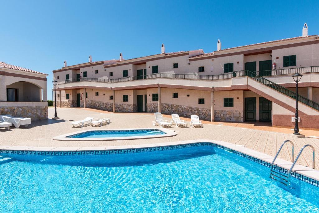Apartamentos Cabo De Baños | Cabo De Banos Apartments Spanien Cala En Blanes Booking Com