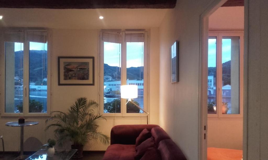Appartement La Mediterranee Vue Sur La Mer Port Vendres Tarifs 2019