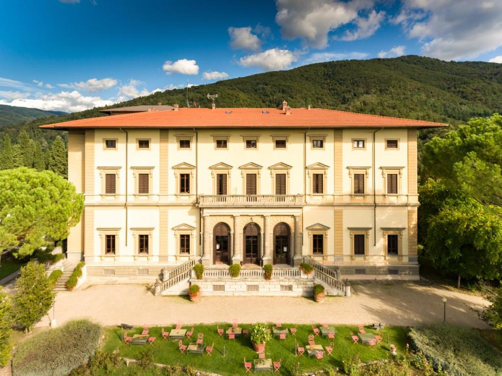 Villa pitiana donnini italy for Reservation hotel italie gratuit