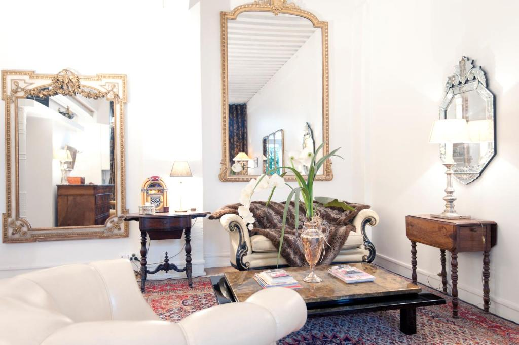 Apartments In Saint-germain-nuelles Rhône-alps