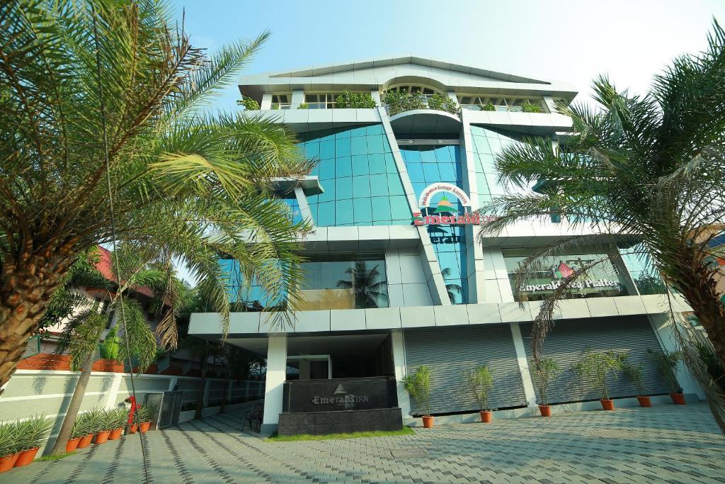 Nakshatra Emerald Inn, Guruvāyūr, India - Booking com