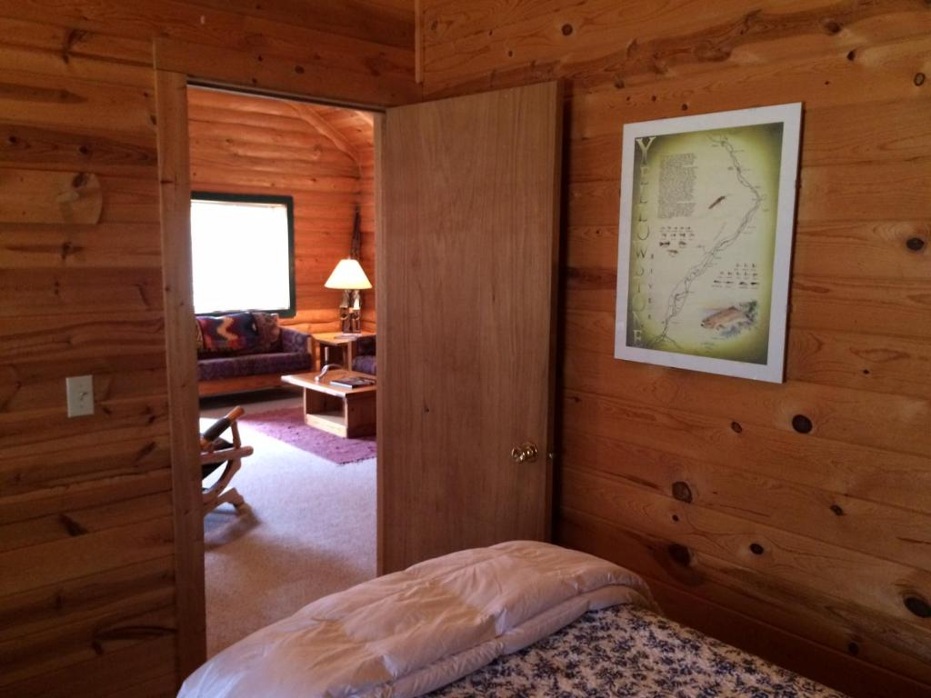 flagg headwaters yellowstone s at cabins ranch to courtesy south camp eat lodge cabin photo stay where