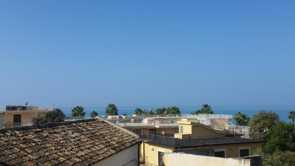 Apartment Terrazza mare e fiori, San Leone, Italy - Booking.com