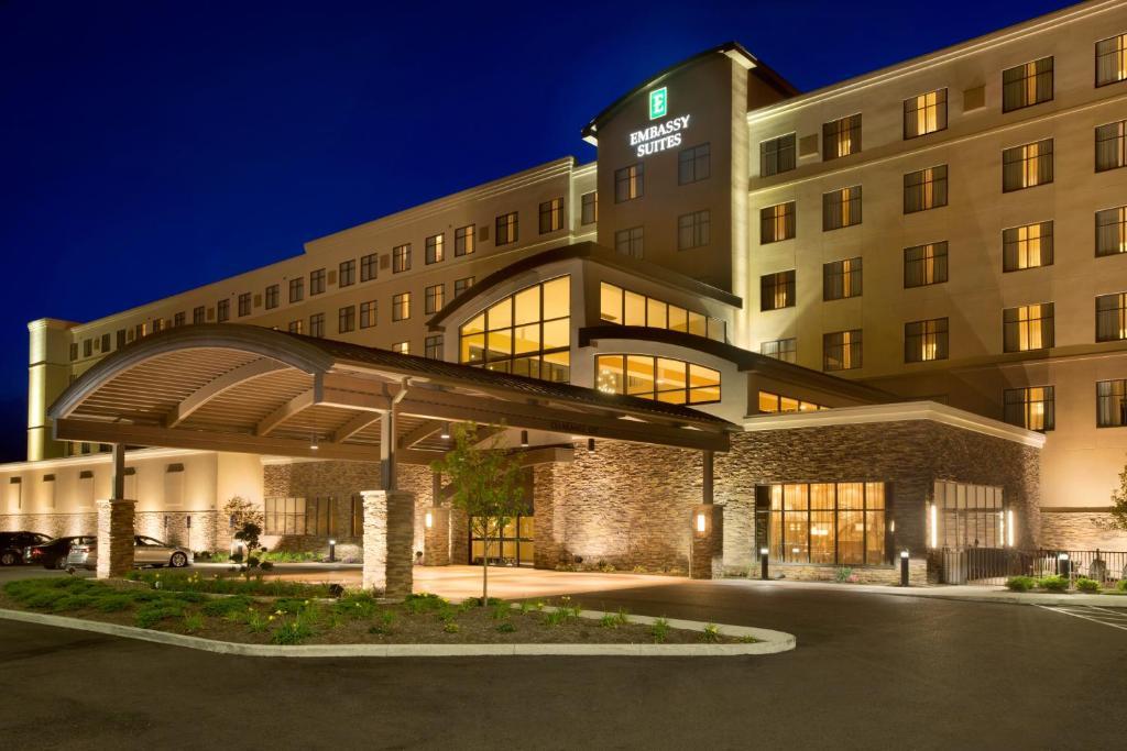 Hilton Akron Canton Airport North Canton Oh Bookingcom