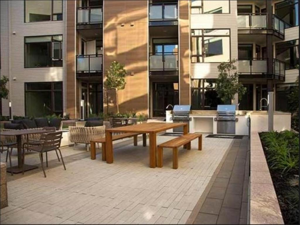 Apartment Global Luxury Suites at Downtown, Mountain View, CA ...