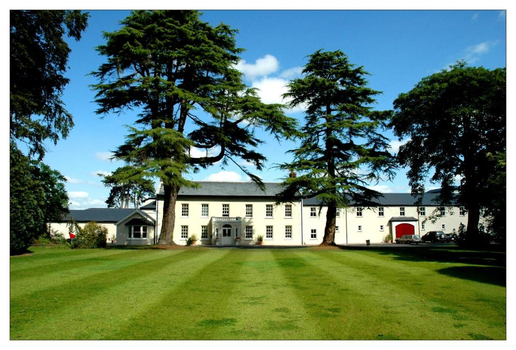 Roganstown Hotel And Country Club
