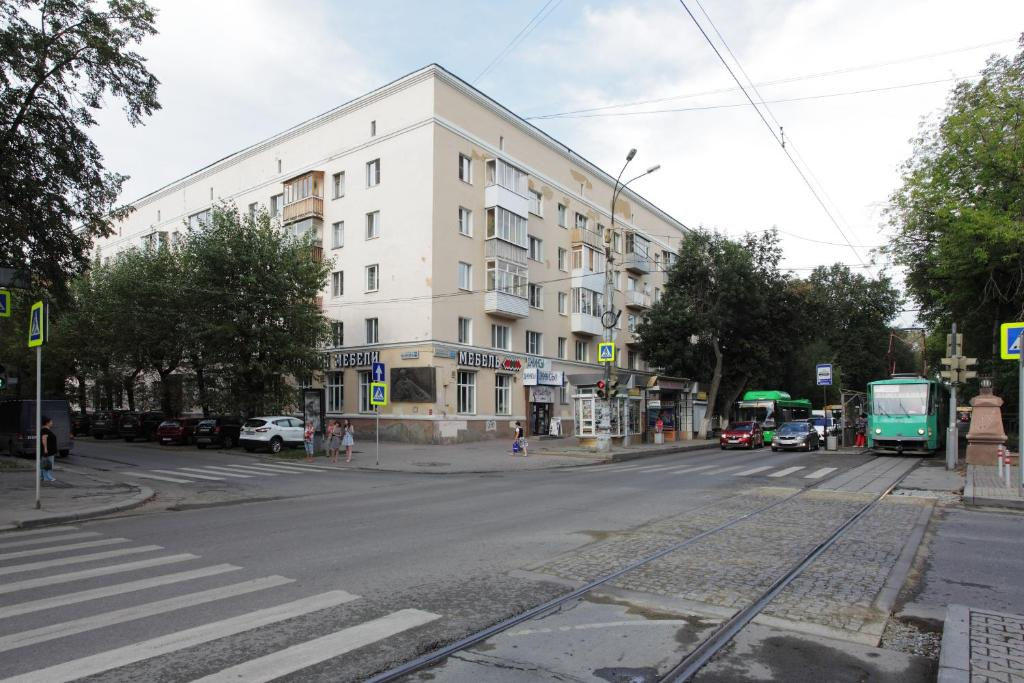 Apartments on prospekt Lenina 75