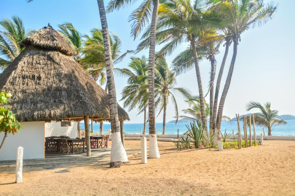 villa polinesia wellness resort chamela mexico