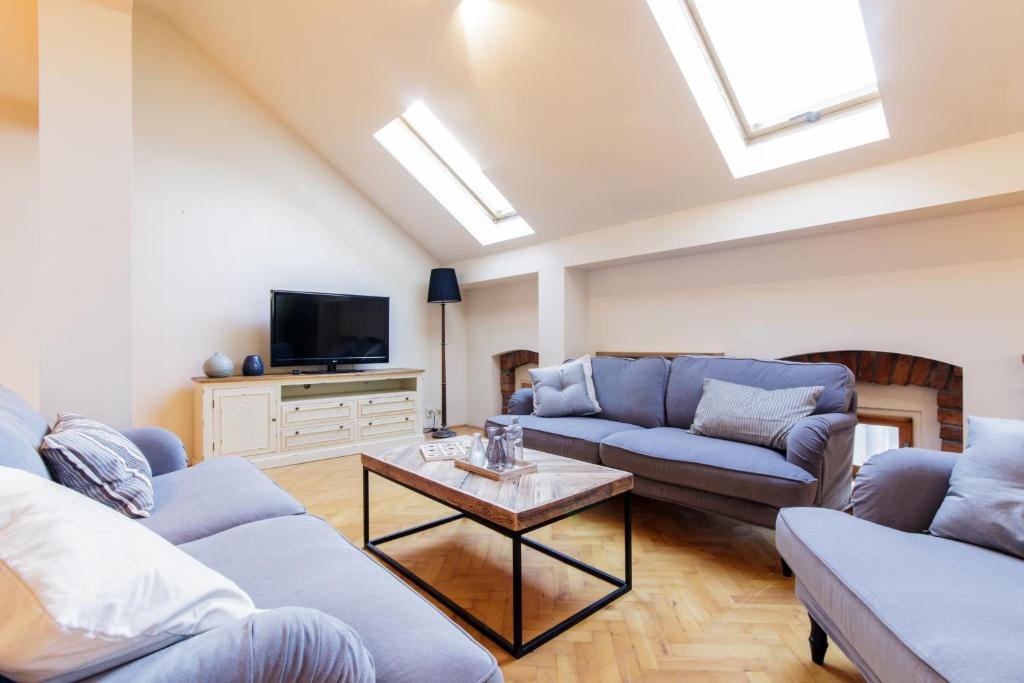 Classy penthouse apartment krak w updated 2018 prices for Penthouse apartment price