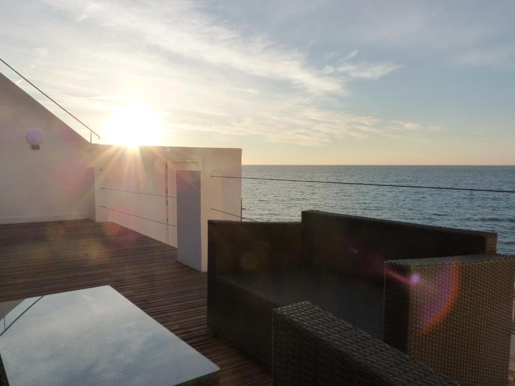 Homelly villa au bord de mer marseille franciao for Hotel au bord de mer