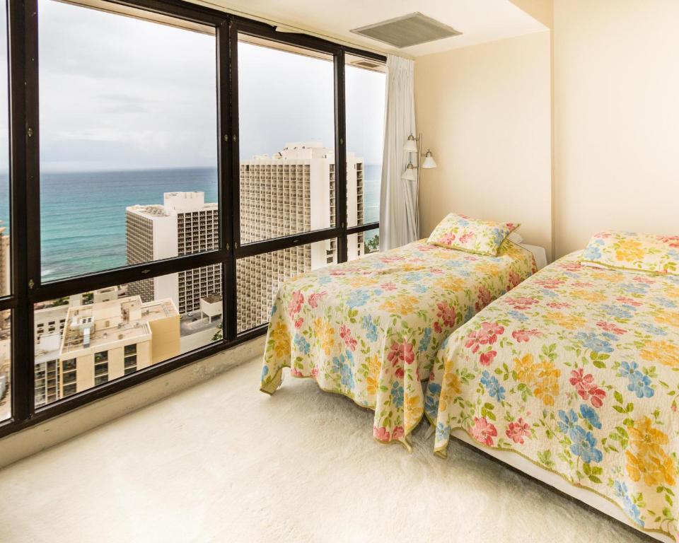 Vacation home waikiki sunset 2 bed penthouse suite 3806 honolulu