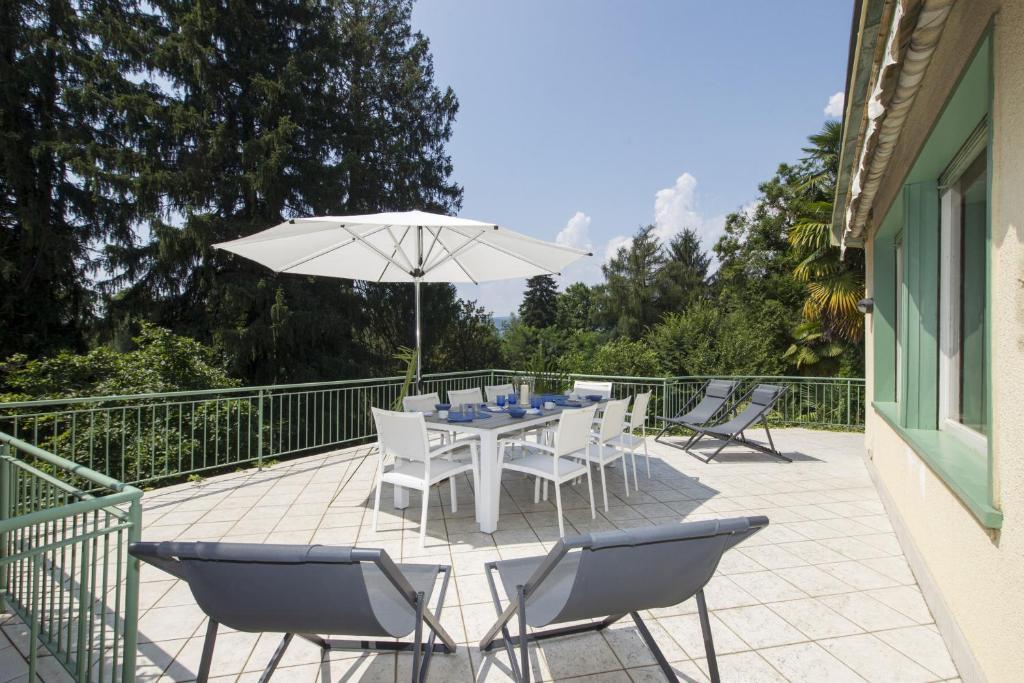 Villa la terrazza nel bosco cerro lago maggiore italy - Villa la terrazza ...