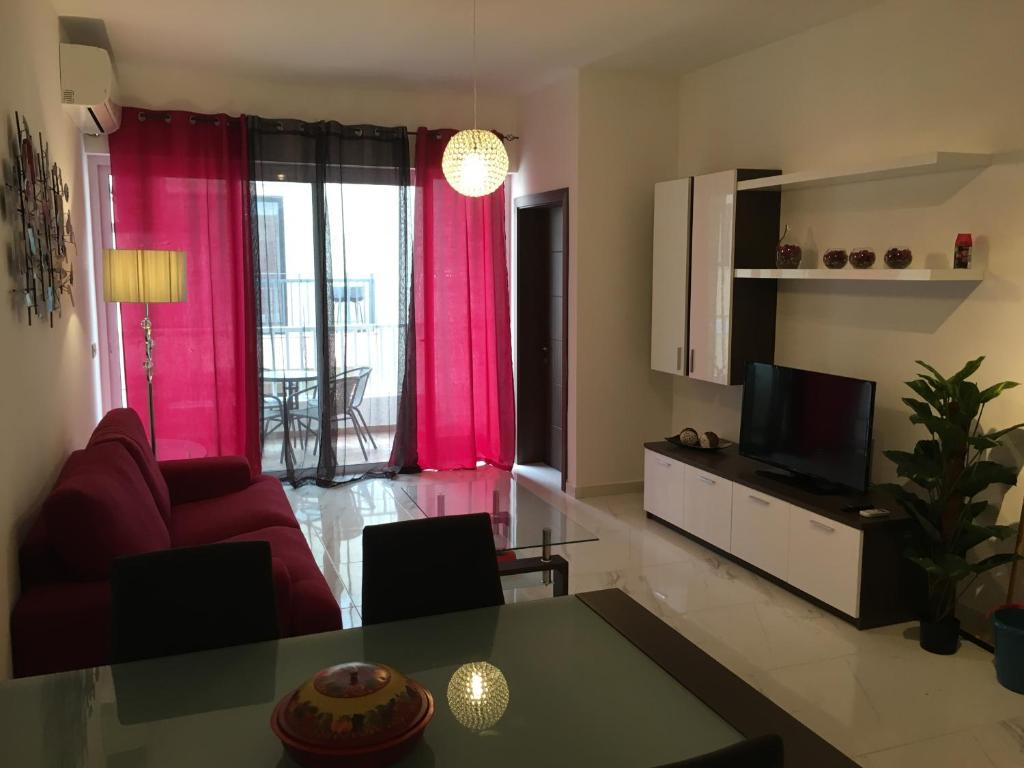 Modern 2 Bedroom Apartment In Qawra Malta St Paul 39 S Bay