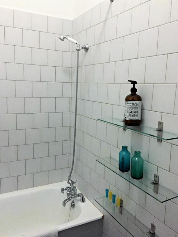Luxury Bathrooms Dublin apartment luxury rental dublin parliament street, ireland
