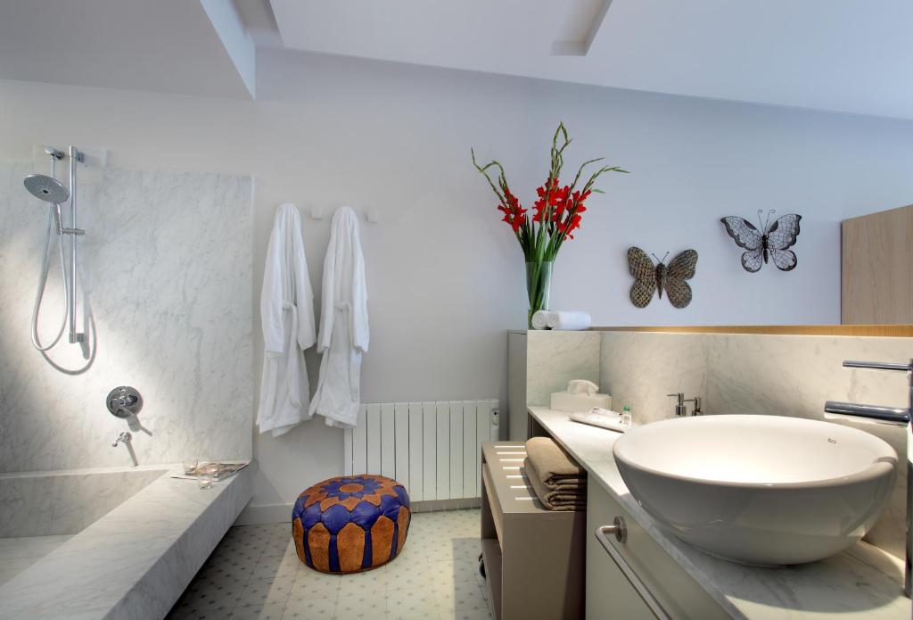 boutique hotels in granada  300
