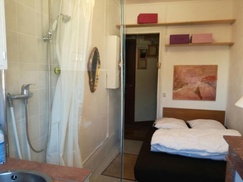 Little Bedroom Apartment Sylvains Little Room Paris France Bookingcom