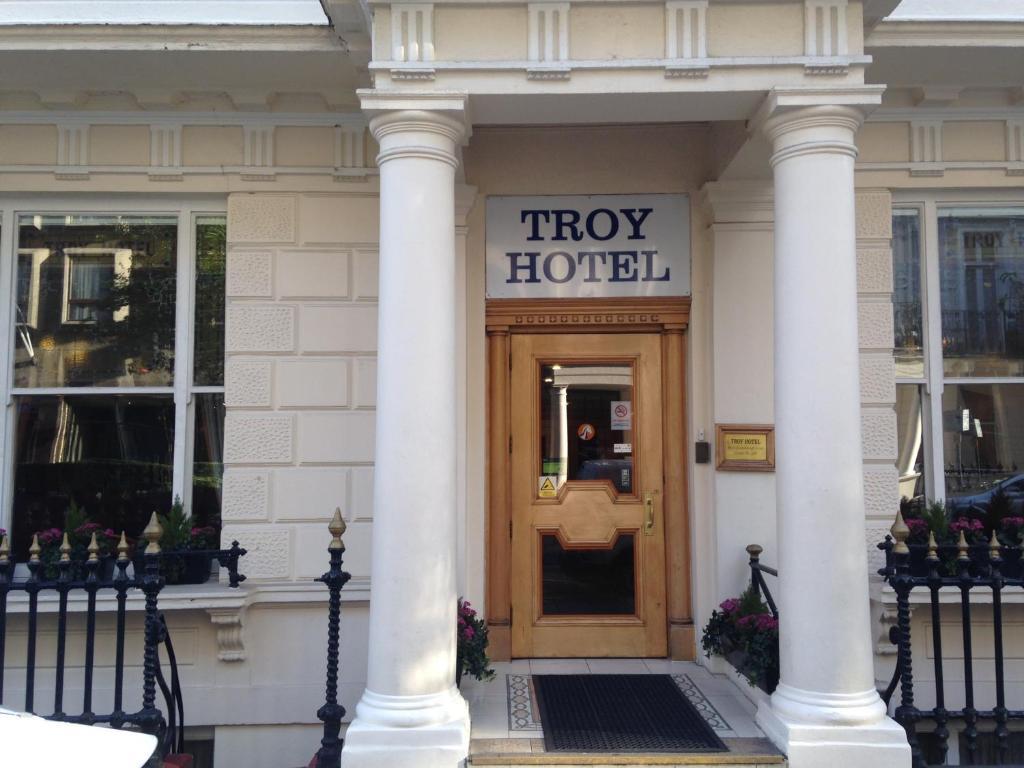 Fachada o entrada de Troy Hotel