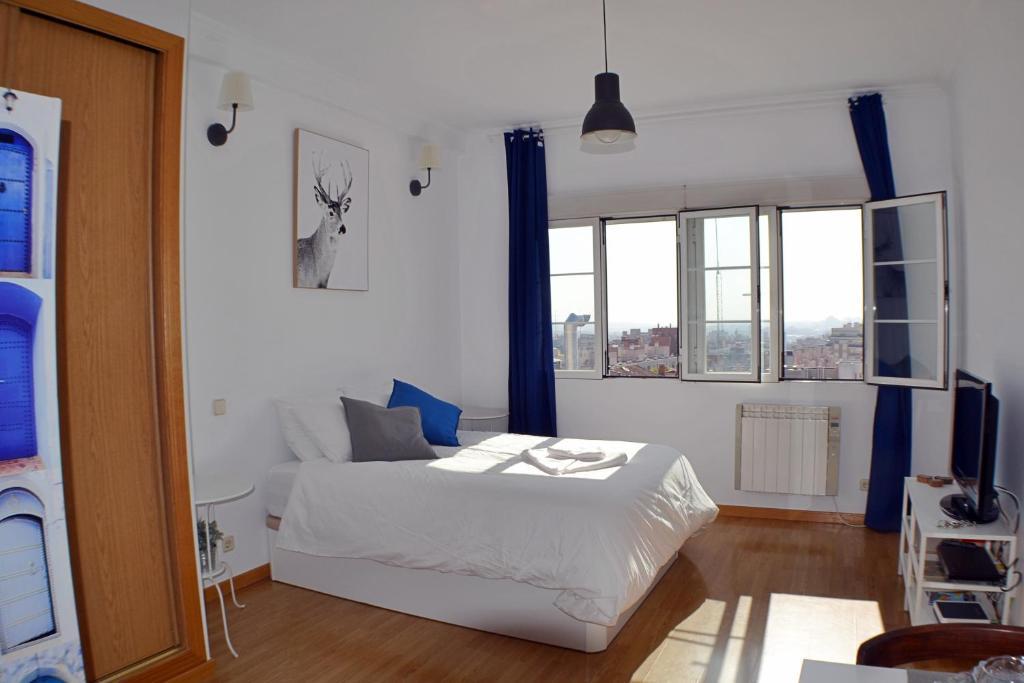 A room at Panoramic Charming Studio