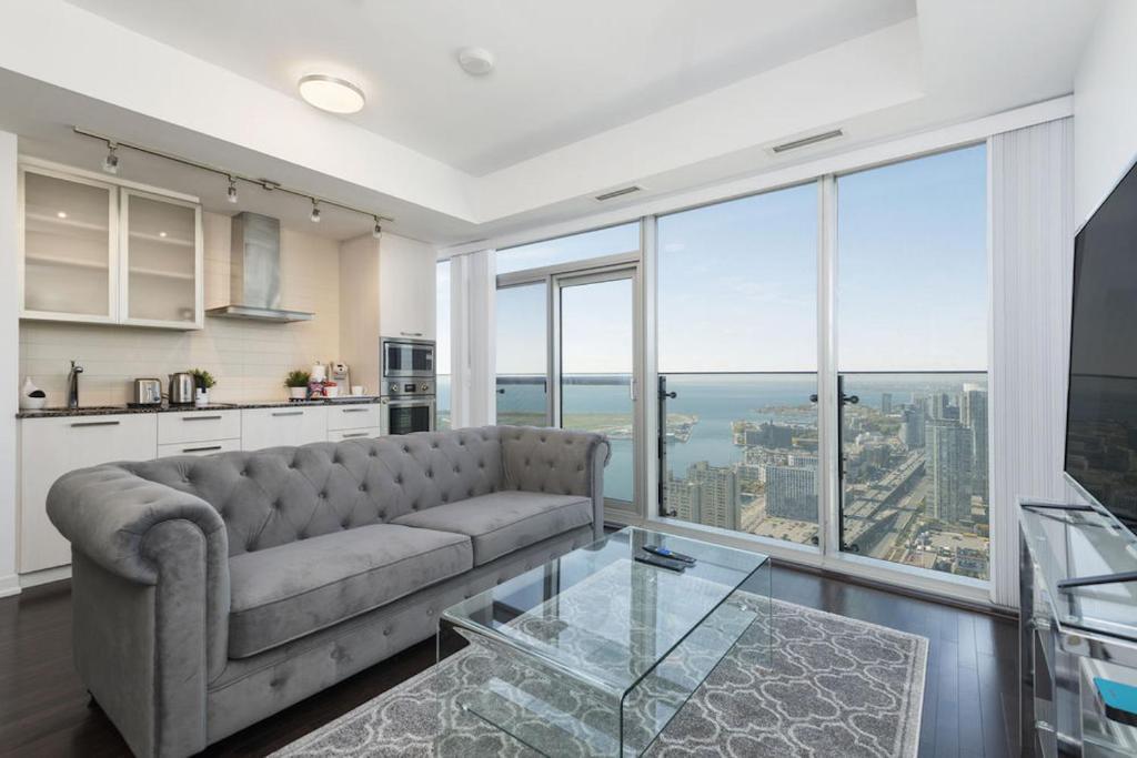 Diamond Vacation Homes - York St (Kanada Toronto) - Booking.com