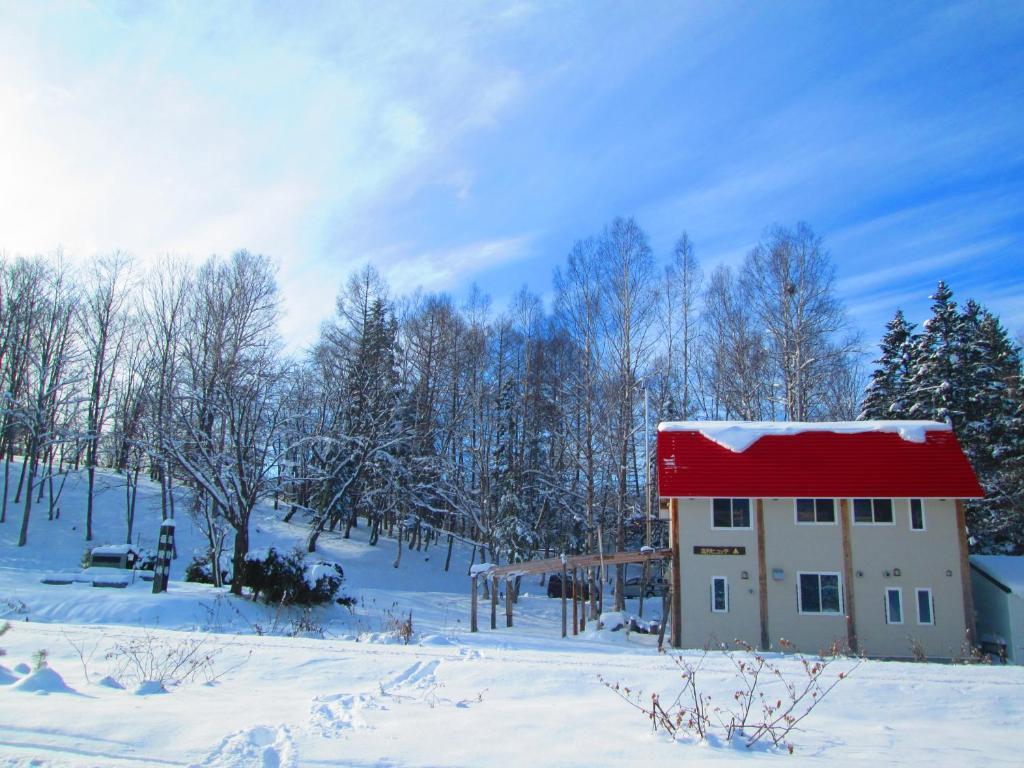 Shiokari Huette during the winter
