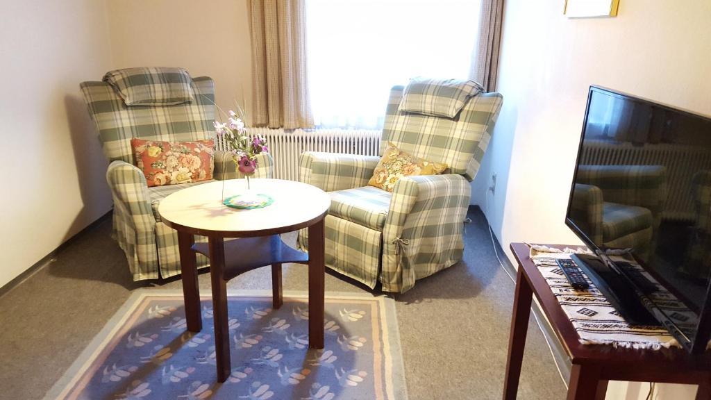 Lounge oder Bar in der Unterkunft Gasthof zum grünen Baum
