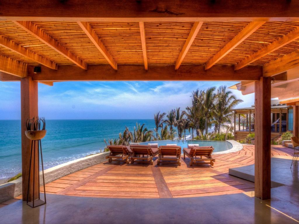 Villa Casa Adobe M Ncora Peru