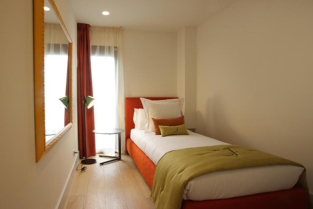 Cosmo apartments rambla catalunya barcelona spain for B b barcellona vicino ramblas