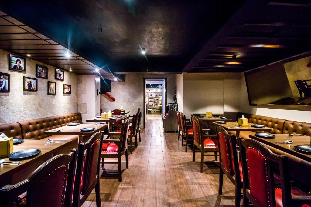 Hotel Oriental Aster, Mumbai, India - Booking com