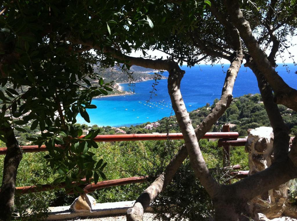 Comprare una casa a Torre delle Stelle sulla spiaggia poco costoso, con foto