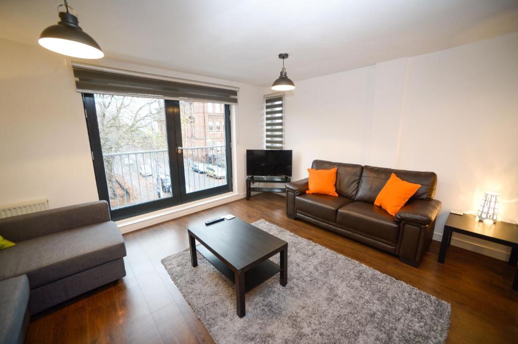 Living Room Glasgow festival park apartment, glasgow, uk - booking