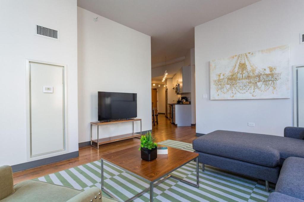 three bedroom apartment on west van buren 801 chicago plus zdj cia
