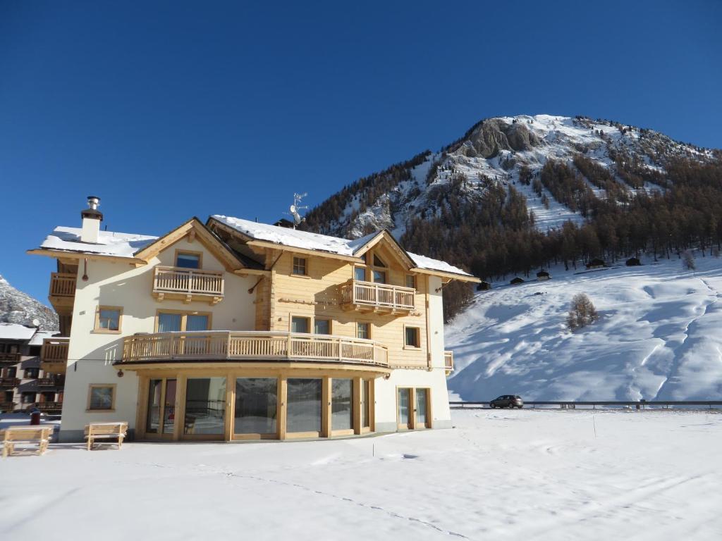 Ecohotel B&B Chalet des Alpes Livigno, Livigno – Prezzi aggiornati ...