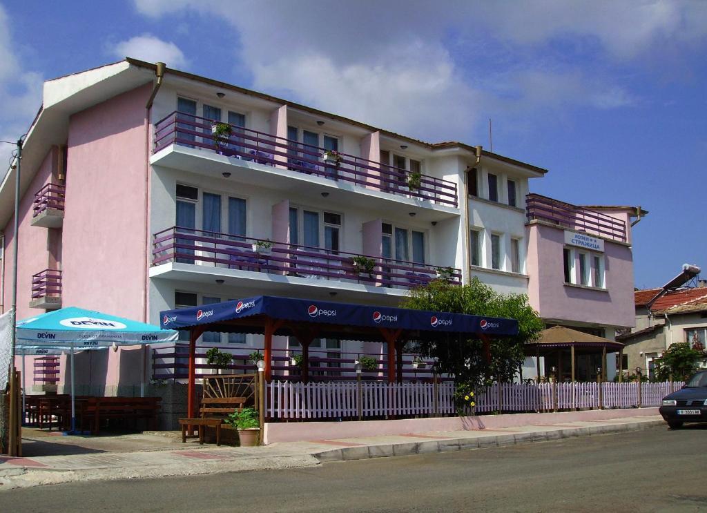 Хотел Стражица - Лозенец