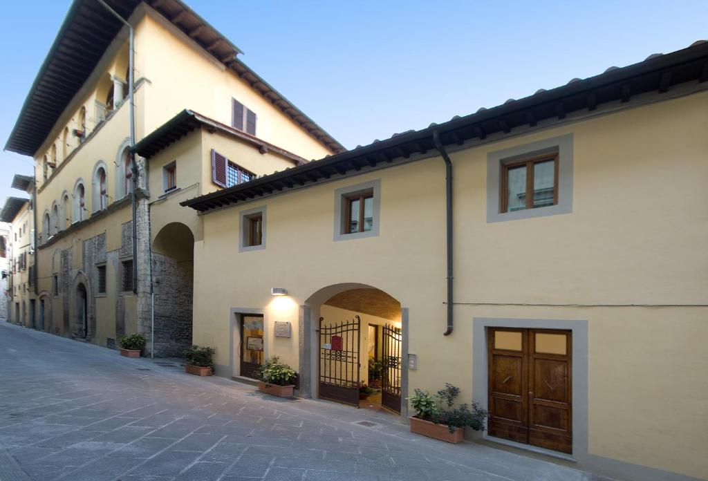 Nearby hotel : Accademia Residence