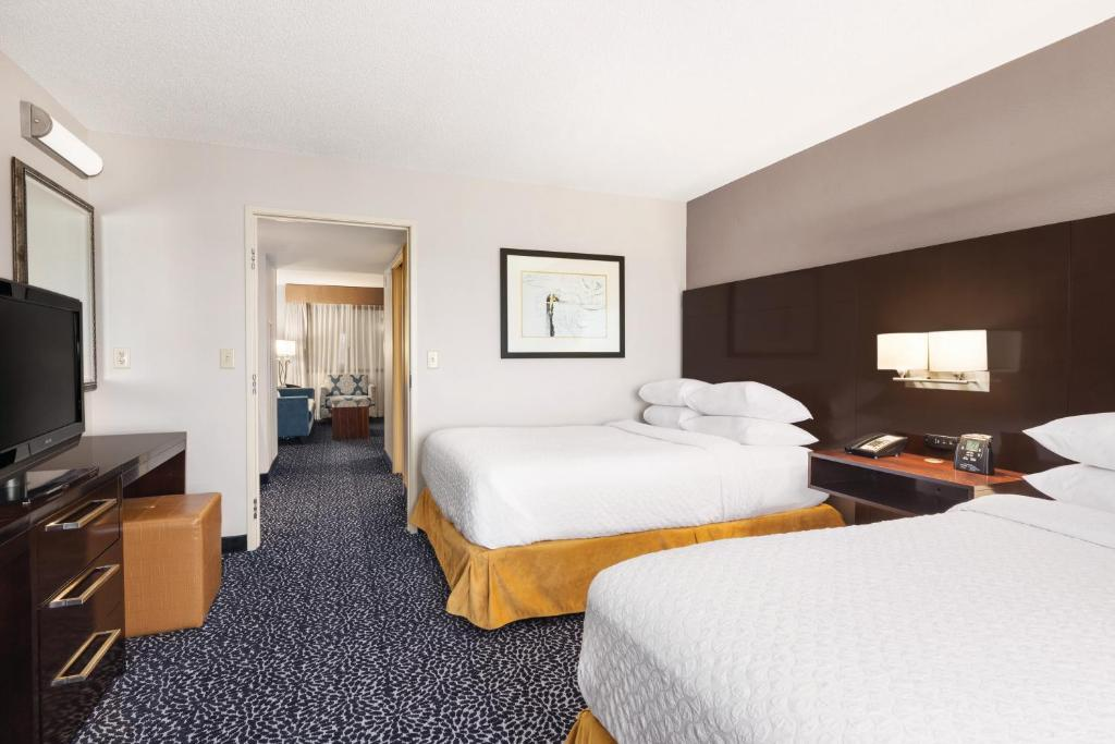 Hotels With Adjoining Rooms In Louisville Ky